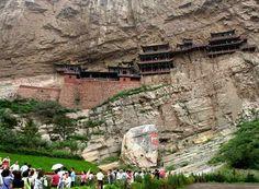 monasterio colgante