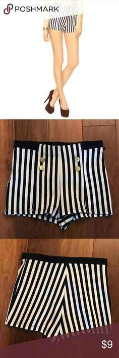 High waist Nautical Striped Shorts, size medium Forever 21 High waist Nautical Striped Shorts, size medium. These shorts are in great condition and are very stretchy. Waist measures 28 inches, inseam measures 2 inches. Forever 21 Shorts