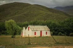 In Groenkloofpas Pioneer House, Farm Houses, Country Art, Cottages, Art Reference, Buildings, Landscapes, African, Cabin