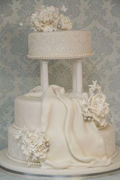 v Hochzeitstorte elegant exklusiv edel damaskmuster weiß by suess-und-salzig, via Flickr