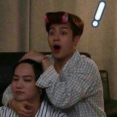 Bias and bias wrecker getting along lol Yugyeom, Youngjae, Jaebum Got7, Mark Jackson, Jackson Wang Funny, Got7 Jackson, Meme Got7, Got7 Funny, Funny Kpop Memes