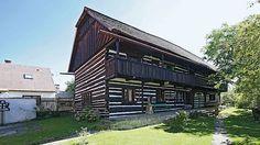 Šolcův statek je typická stavba připomínající historii nejen Jičínska. Relax, Cabin, House Styles, Outdoor Decor, Home Decor, Decoration Home, Cabins, Keep Calm, Cottage