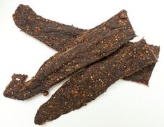 biltong recipe for food dehydrator - basically a south african version of beef jerky sounds awesome! health-fitness-and-food Jerky Recipes, Beef Recipes, Recipies, Yummy Recipes, South African Dishes, South African Recipes, Africa Recipes, Making Jerky, Biltong
