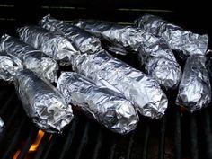 Brochette de foie de veau mariné, en papillote, sauce aux fines herbes, bouillon et vin blanc. Un barbecue, une plancha gourmande, cuisinée, une recette originale