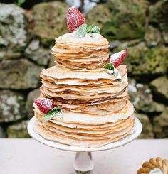 Pick a non-traditional cake for your wedding like a crepe wedding cake. We love alternative wedding cake flavors! Alternative Wedding Cakes, Wedding Cake Alternatives, Wedding Cake Flavors, Wedding Desserts, Fruit Wedding, Pancake Cake, Waffle Cake, Crepe Cake, Quirky Wedding