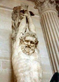 Statue romaine de quelqu'un écorché vif. Les Romains étaient connus pour utiliser le poteau de torture. Cette statue est dans le palais de Césars de Rome ... Ceci est la même manière que Jésus a été tué ... sur un Pôteaux ! Stauros =( torture) _stake