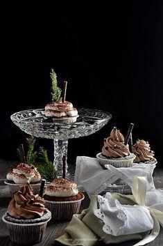Cupcakes al cioccolato Zagara, Cupcakes, Table Decorations, Home Decor, Cedar Trees, Cupcake Cakes, Decoration Home, Room Decor, Home Interior Design
