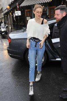 Your source for all things Gigi Gigi Hadid Looks, Bella Hadid Style, Sports Illustrated, Estilo Gigi Hadid, Teen Fashion, Fashion Outfits, Fashion Ideas, Bella Hadid Outfits, Celebrity Style Casual