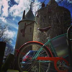 Today I cycled to #CastleCoch right off the #TaffTrail in #Cardiff. 16 miles in great weather on a flat trail on a cool bike. Such a fun was to end my weekend at #Traverse16!  #Wales #Cymru #cyclingadventures #wymtm #EllenSaysHola | http://ift.tt/1O8Caav