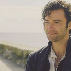 Ross  Do you guys think Dwight will leave to be in the navy for most of s3? #poldark #aidanturner