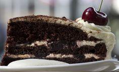 Pastel Selva Negra - Tengo que confesarles que este es uno de mis pasteles favoritos, por primera vez en la fiesta de cumpleaños de mi cuñado Bladimir y me