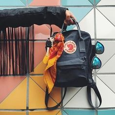 Fjallraven - Kanken Classic Backpack for Everyday Mochila Kanken, Kanken Backpack, Backpack Purse, My Bags, Purses And Bags, Books And Tea, Fjallraven, Best Travel Backpack, Cool Backpacks