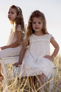 We, Goosebumps Clothing stock a captivating and unique collection of flower girl dresses for your little anjel. Provided in eye-catching sheds and outstanding colour combination, these dresses are much liked by almost every parent.
