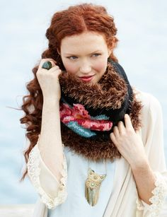 Gorgeous! Russian Rose Cowl: free #knitting #cowl #pattern