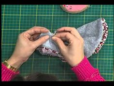 ✂ Pet Projekte DIY : Wie recycelt Old Pullover In Chic Dog Sweater Winterkleidung - YouTube
