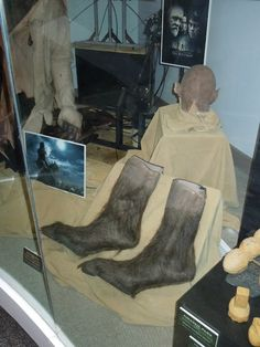 Prosthetic werewolf feet and cowl used by  Benicio Del Toro in The Wolfman