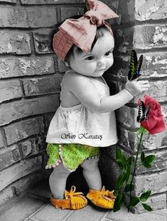 ♡~❤~~ Splash of Colour ~~❤~ ♡ Splash Photography, Cute Photography, Children Photography, Precious Children, Beautiful Children, Beautiful Babies, Black And White Background, Black And White Pictures, Baby Pictures