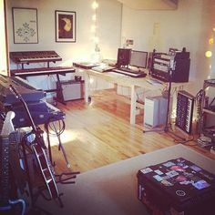 Bonobo's Music studio. Very nice set up. Nice SCI prophet 5, rhodes, nord amongst other things