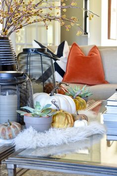 Pumpkin Themed Fall Styling on a coffee table Fall Room Decor, Coffee Table Styling, Thanksgiving Table Settings, Beautiful Table Settings, Home Decor Inspiration, Decor Ideas, Rooms For Rent, Coffee Cozy, Home Trends
