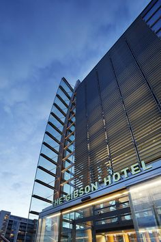 Unique hotel in Dublin city centre for your convenience & comfort. Book your room at the gibson hotel. Dublin Hotels, Dublin City, Unique Hotels, Skyscraper, Interior, Modern, Design, Indoor, Skyscrapers