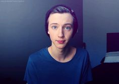 Troye Sivan a funny Australian  youtuber! <3    **South africa you idiot