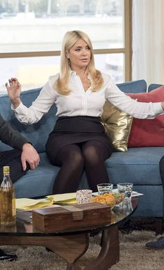 Holly in tights Holly Willoughby Legs, Holly Willoughby Outfits, Pantyhose Outfits, In Pantyhose, Nylons, Tv Girls, Fashion Tights, Girls In Leggings, Blonde Women
