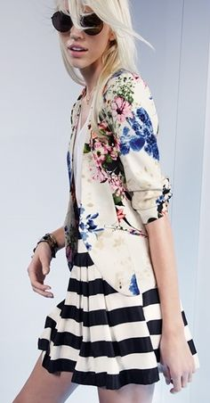 Loving this chic spring look.