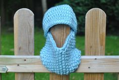 Chunky Reflective Kid's Beanie Hat and Scarf Set by #CassiopeiaKnitDesigns, UK