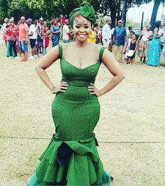 Lesotho Seshoeshoe Designs 2018 : Beautiful Shweshwe Dress DesignsLatest Ankara Styles and Aso Ebi Styles 2020 African Wedding Attire, African Attire, African Wear, African Dress, African Print Fashion, Africa Fashion, African Fashion Dresses, Ankara Fashion, African Prints
