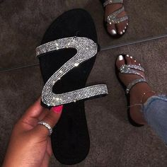 Pure Color PVC Rhinestone Peep Toe Slipper Women Wear Casual Skid Wedges with Thick Sandals and Slippers Casual Round Toe Slipper Leisuraly 2019 Woman Flat Slipper