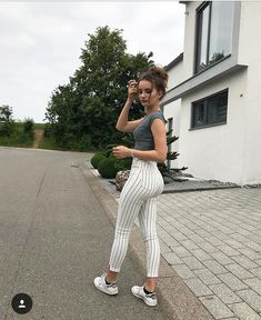 Cooper Copii : Woman Weekend outfits 4 Source by casual Look Fashion, Girl Fashion, Fashion Outfits, Womens Fashion, Male Fashion, 80s Fashion, Superenge Jeans, Sexy Jeans, Cool Outfits