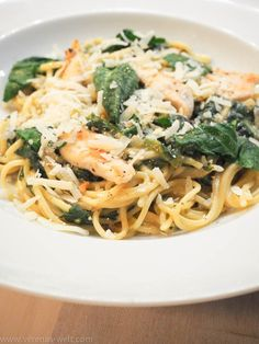 Spaghetti in creamy spinach cream cheese sauce and chicken breast - Essen und Trinken - Pasta Easy Pasta Recipes, Healthy Salad Recipes, Chicken Recipes, Creamy Spinach, Spinach Salad, Creamy Cheese, Spaghetti Salad, Spaghetti Spinach, Cheese Spaghetti