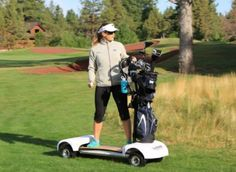 Wanna play speed golf but can't run?Check out the golfboard! GolfBoard is electric skateboard-style golf cart for new-age golfers Golf Gadgets, Tech Gadgets, A New York Minute, Electric Skateboard, Hole In One, Golf Fashion, Play Golf, Ladies Golf, Women Golf