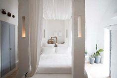 Una delle stanze immacolate della Masseria Cimino a... . Foto-gallery e immagini