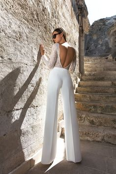 Eva Lendel Wedding Dresses 2018 Collection ❤ moderm bridal jumpsuit with open … Eva Lendel Wedding Dresses Collection 2018 ❤ Fashionable Bridal Jumpsuit with Open Back and Long Sleeves Trend 2018 Eva Lendel Kody ❤ See more: www. Look Fashion, Womens Fashion, Fashion Design, Fashion Trends, Wedding Jumpsuit, White Pantsuit Wedding, Wedding Pants, Wedding Dress Suit, Elegantes Outfit