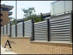 Las vallas metálicas aportan a suvivienda una mayor privacidad y seguridad convirtiéndose así en un elemento adicional de protección.El vallado perimetral suelen ir a juego con las puertas de acceso peatonales y de vehículos