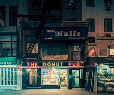 Light On - New York photo series by photographer Franck Bohbot.