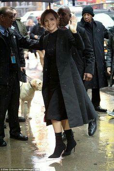 Emma Watson Fan, Ema Watson, Emma Watson Style, Emma Watson Outfits, Warrior Princess, Mode Outfits, Hipster Outfits, Fashion Updates, Celebs