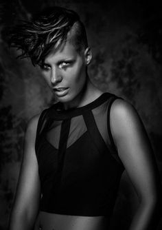 Raw by Hans Beers Make-Up/Styling: Juliette den Ouden Photography: Richard Monsieurs