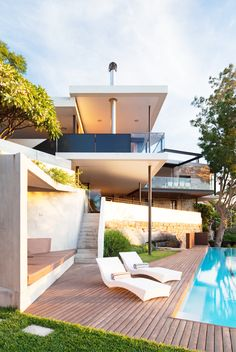 river house pool deck , designed by MCK Architects