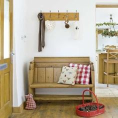 Diy entryway bench seat furniture simple entryway wooden bench seat design for saving small spaces under Hallway Furniture, Bench Furniture, Furniture Ideas, Country Hallway, Country Bench, Wooden Bench Seat, Pew Bench, Hallway Bench, Hallway Inspiration