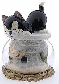 Client: Disney Auctions-Cleo & Figaro Cookie Jar by loter_inc, via Flickr