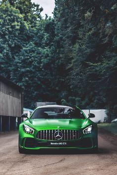 benz AMG GTR