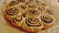 Reteta culinara Desert spirale cu halva din categoria Dulciuri. Cum sa faci Desert spirale cu halva Doughnut, Deserts, Cookies, Food, Crack Crackers, Biscuits, Essen, Postres, Meals