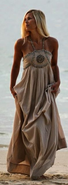 Curating Fashion & Style: Fashion trends | Beige summer maxi dress