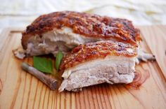 Diet Plan To Lose Weight t: Illustration Description Chinese-style crispy pork belly. A super-helpful step-by-step recipe with great pictures by The Hungry Giant. So crunchy looking! Definitely want to try making this. Pork Belly Recipes, Meat Recipes, Asian Recipes, Cooking Recipes, Hawaiian Recipes, Panlasang Pinoy Recipe, Chinese Pork, Roast Pork Chinese Style, The Bo