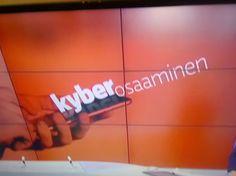 UUTISET/NEWS....18.2.2016 AJANKOHTAISTA. TVUUTISET.KULTTUURI. RADIO. KIRJALLISUUS. TV1 UUTISET YLE/YLEISRADIOPODCAST. TEKNOLOGIA. 2/2 UUTTA&TRENDIKÄSTÄ TEKNOLOGIAN KEHITYSTÄ. PODCASTING on TILAUSPOHJAISIA VERKON ÄÄ...