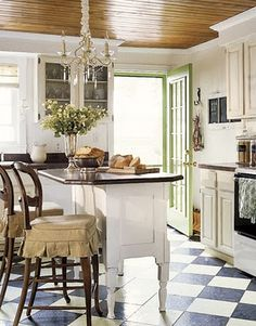 Country Style Chic: Saturday Baking/ I am in love with this kitchen. Like living with your favorite grandma.