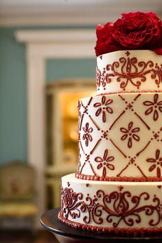 Henna Wedding Cake, Henna Cake, Wedding Cake Cookies, Wedding Cake Red, Indian Wedding Cakes, Henna Party, Indian Weddings, Henna Designs, Cake Designs