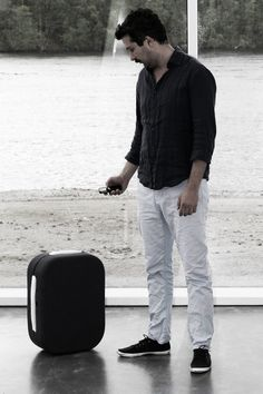 Hop is a Suitcase That Follows You Around Hands-Free [VIDEO]